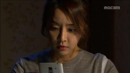 김희선 정유미, 다른 배역 같은 느낌. 왜?