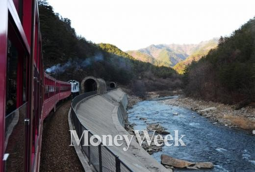 렛츠코레일 중부내륙순환 관광열차 /사진=머니투데이DB