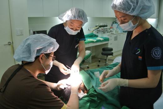 [박진모 박사의 탈모지침서(155)] 원형탈모, 치료법 찾는다면