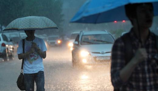 대서인 23일에는 전국이 흐리고 비가 내리는 날씨가 이어지겠다. /사진=머니투데이 DB