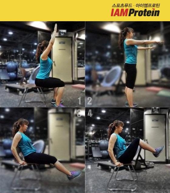 김성민 퍼스널트레이너가 의자를 이용한 허벅지 뒷면 강화 운동(1~2)과 상하복부 강화 운동(3~4) 시범을 보이고 있다./이미지=아이엠프로틴 제공