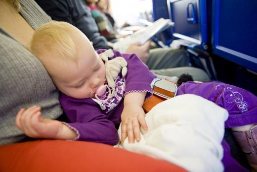 '안고 타도 돈낼 수도'…2세 미만이라고 항공요금 모두 공짜 아니다