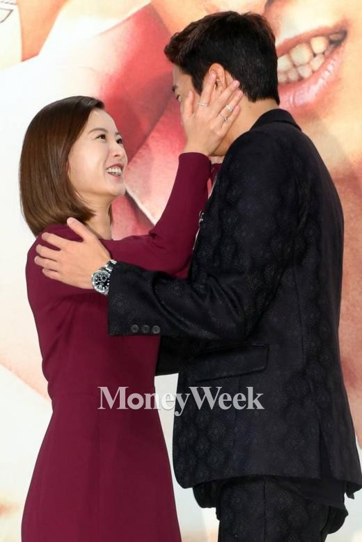 연애의 발견 제작발표회에 참석한 배우 정유미와 문정혁(사진=이기범 기자)