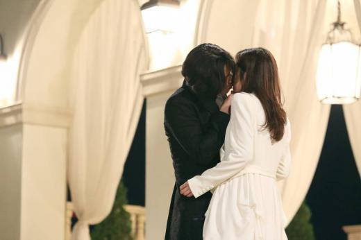'운명처럼 널 사랑해' 장혁 장나라 키스신(제공=넘버쓰리픽쳐스=페이지원필름)
