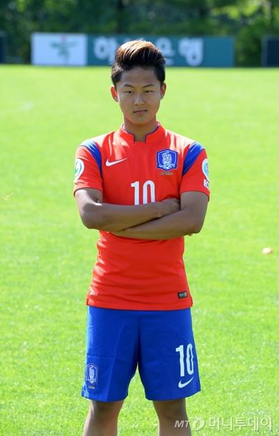한국대표팀 유니폼을 입은 이승우 /사진=머니투데이