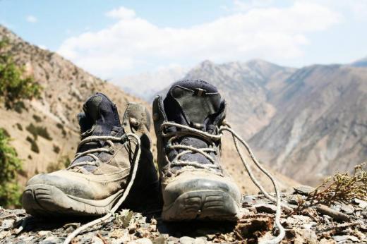 등산 후 삐끗한 허리 '척추후관절 증후군' 이라고?