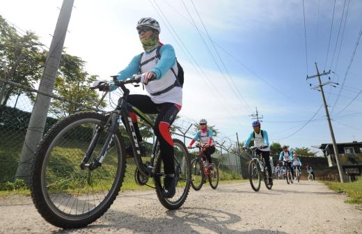 자전거 타는 시민들 / 사진= 뉴스1