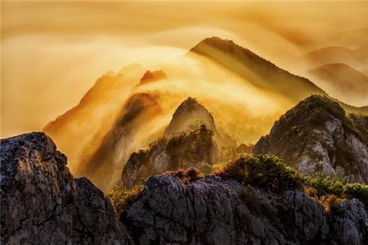 국립공원 사진공모전, '운해 넘는 가야산' 대상 수상