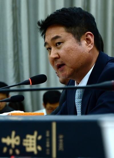 지난 16일 국제 법제사법위원회의 국정감사에 참고인으로 출석한 이석우 다음카카오 대표이사. /사진=뉴스1