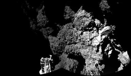 ▲ 혜성 탐사로봇 필레가 찍은 혜성 67P의 지표 사진 ⓒ ESA 로제타 블로그