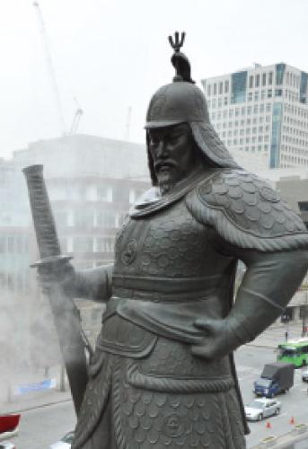광화문 광장의 이순신 동상. /사진=뉴스1 최진석 기자