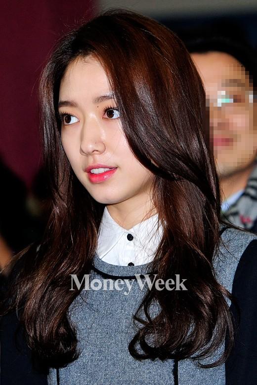 [MW사진] 박신혜 '입가에 흐르는 미소'