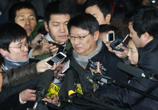 검찰이 23일 박지만 GE회장을 비공개로 재소환해 정윤회씨의 미행설에 대해 추가 조사한 것으로 알려졌다.  /사진=머니투데이DB