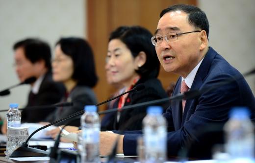 정부는 24일 국가정책조정회의를 열고 '구제역·AI 현황 및 방역추진계획'을 확정했다. /사진=뉴스1
