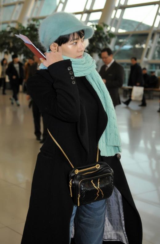 90년대 패션아이콘 이본, 2015년 접수…공항패션 가방 완판