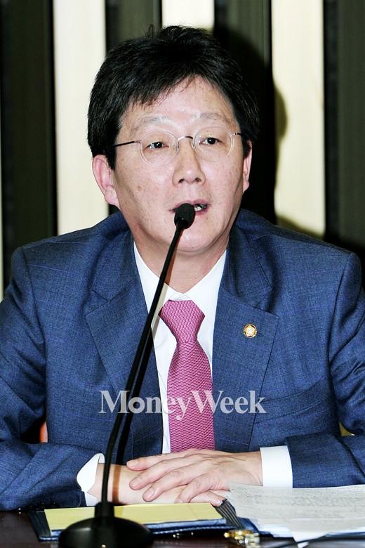 """[MW사진] 새누리 원내대표 경선, 유승민 """"콩가루? 찹쌀가루로 만들겠다"""""""