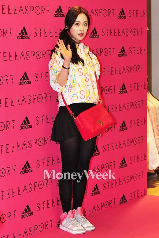 [MW사진] 카라 허영지 '손인사', 예원은 불참