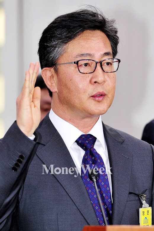"""[MW사진] 홍용표 """"선서합니다"""""""