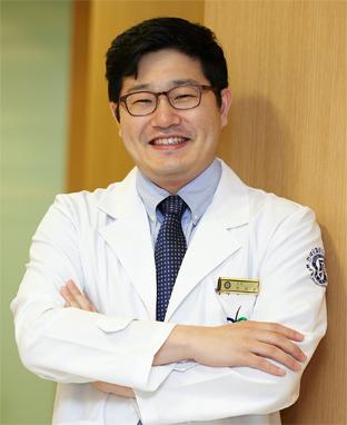 [박진모 박사의 강남탈모치료] 가늘어진 모발·드러나는 두피에는 두피문신&줄기세포치료를