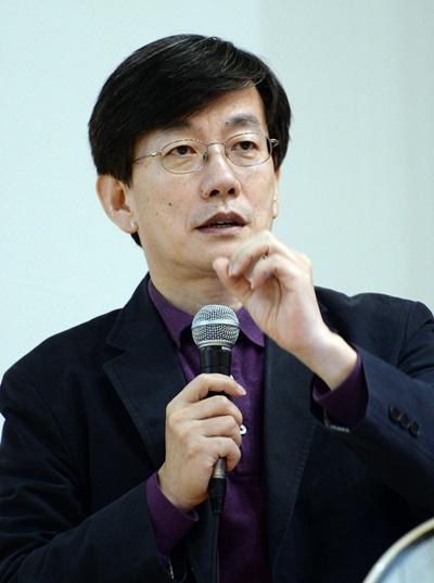 """'손석희' JTBC 보도부문 사장이 언론인이 되고자 하는 청년들에 """"문제의식을 가져야 한다""""며 충고를 했다. /사진=뉴스1"""