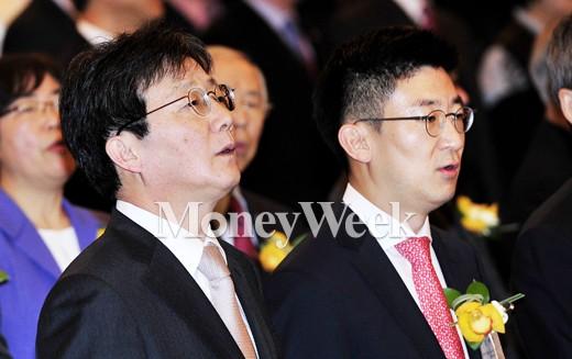 (왼쪽부터) 유승민 새누리당 원내대표, 김세연 새누리당 정책위부의장