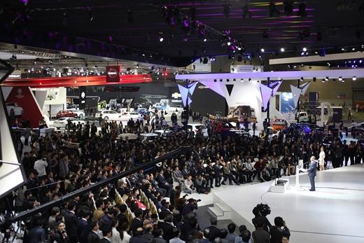 '서울모터쇼 개막' 지난 2일 프레스데이행사에 기자단 등 많은 인파가 몰려있다. /사진=서울모터쇼 조직위원회 제공