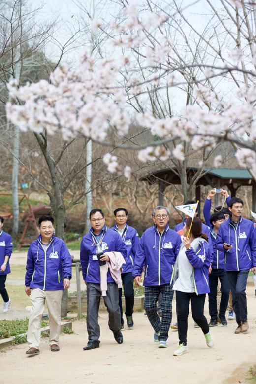 """'창립 15주년' 삼성 SDS, 글로벌 걷기 대회 진행…""""세계를 하나로"""""""