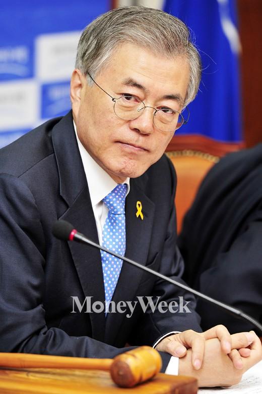 """[MW사진] 문재인 """"성완종리스트 주인공들 적극 수사 받아야"""""""