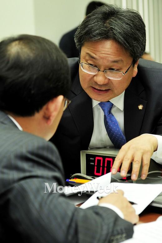 '공무원연금 개혁' 새정치민주연합 강기정 의원. /사진=임한별 기자
