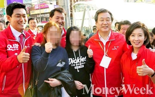 (왼쪽부터) 기호 1번 오신환 후보, 오세훈 전 서울시장, 새누리당 김무성 대표, 나경원 의원