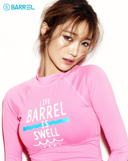 숏팬츠부터 래쉬가드까지…'2015 배럴걸' 고준희 화보 공개