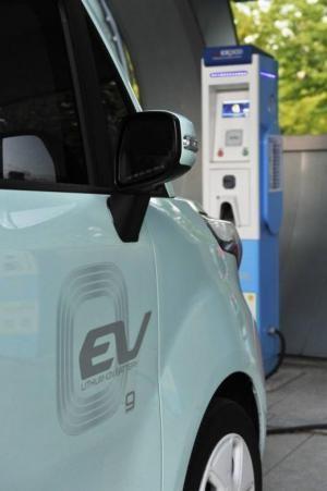 전기차 상용화 '가속페달'… 충전시스템 국제표준 도입