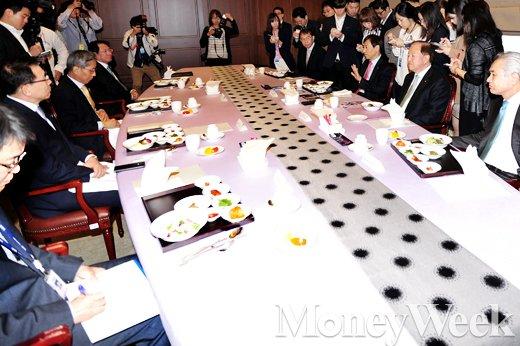 [MW사진] 금융협의회, 모두발언하는 이주열 한은 총재