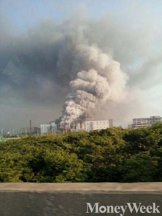 김포 물류창고 화재 30대 경비원 숨져… 3시간 40분만에 진화