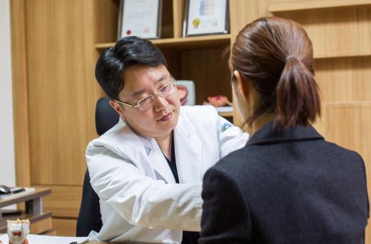갑상선 결절, 무조건 제거한다?…크기 2cm 이상이거나 증상 나타날 때 고려