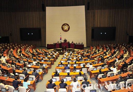 [MW사진] 5월 임시국회 하루 현장, 공무원연금 개혁안 협상 계속 이어져