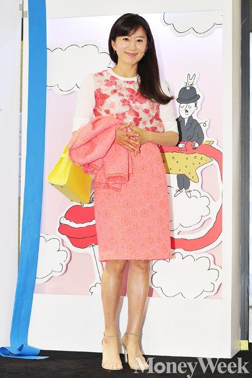 [MW사진] 김희애, '시선 붙잡는 미소'