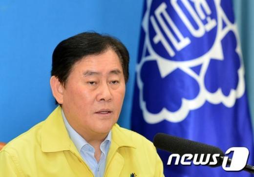 최경환 국무총리 직무대행. © News1 손형주 기자