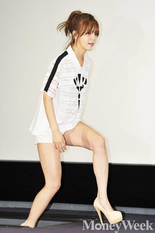 [MW사진] AOA 지민 '아슬아슬'