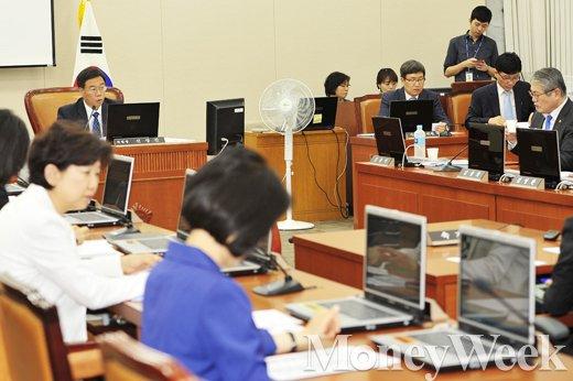 [MW사진] 국회 메르스 대책 특위, '국민 불안 해소를 위해'