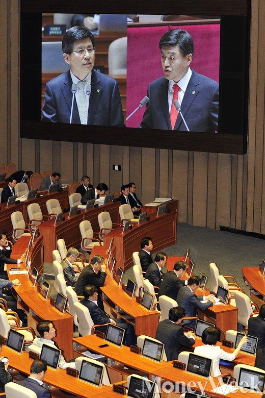 [MW사진] 황교안 총리에게 듣는 '외교·통일·안보 정부 입장'