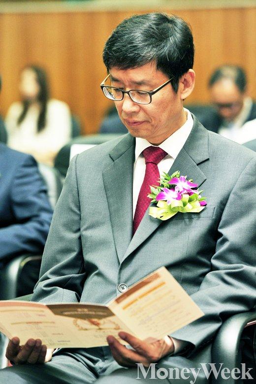 [MW사진] 대한민국 코스닥대상 시상식 참석한 신경철 회장