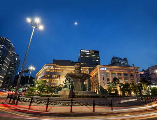 한국은행 앞 분수대 '한국판 트레비 분수' 탈바꿈