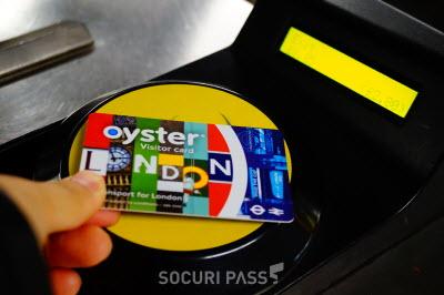 런던 대중교통 이용, '트래블카드 VS 비지터 오이스터 카드' 선택 기준은?