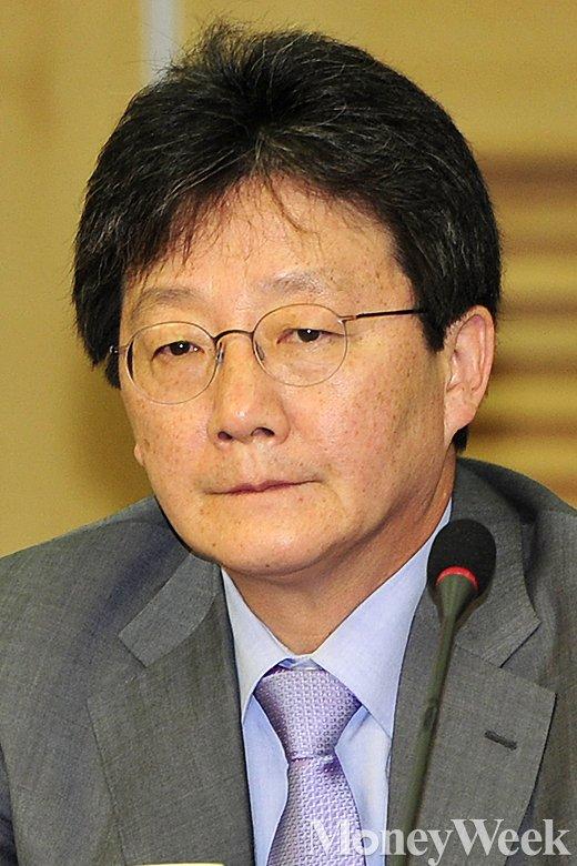 [MW사진] 새누리 원내대책회의 유승민, '수심 가득'