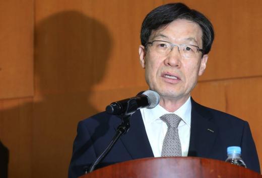 권오준 포스코 회장이 15일 오후 서울 여의도 한국거래소에서 개최된 기업설명회에 참석해 인사말을 하고 있다. /사진=머니투데이