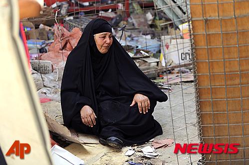 이라크 동부 디얄라주에서 급진 수니파 무장세력 '이슬람국가(IS)'가 라마단 종료를 의미하는 최대 축제인 '이드 알피트르'에 맞춰 폭탄 테러를 벌인 가운데 희생자 수가 115명을 늘어났다. /사진=뉴시스