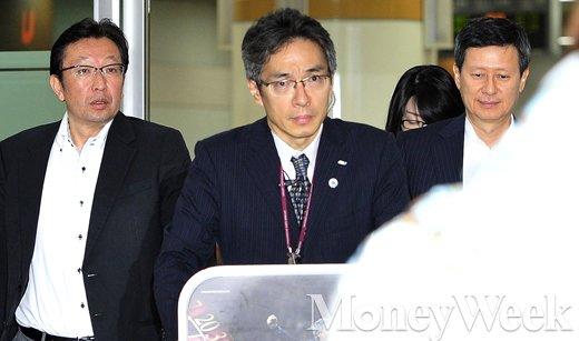 [MW사진] 왕자의 난 벌인 신동주 전 부회장, 입국