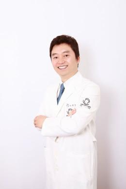 [노윤우 원장의 탈모치료병원(230)] 남성 M자탈모 해답은 모발이식에 있다?!