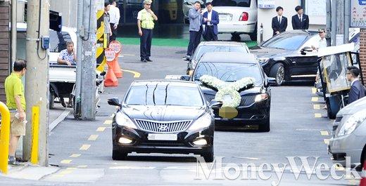 [MW사진] 영결식장으로 들어오는 故 이맹희 CJ 명예회장